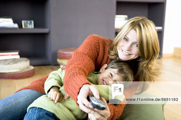 benutzen Portrait Überprüfung Sohn Mutter - Mensch