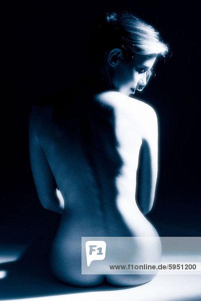 Frau  sehen  über  Rückansicht  Ansicht  jung  nackt