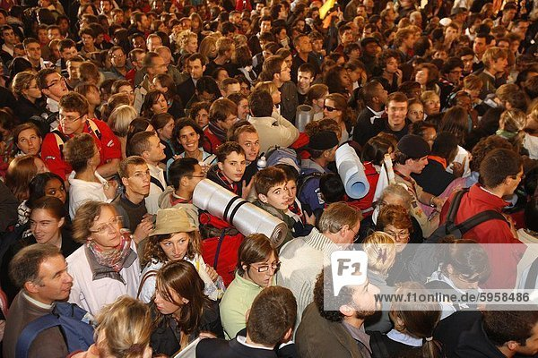 Young pilgrims outside Notre Dame cathedral during Pope Benedict XVI 's visit to France  Paris  France  Europe