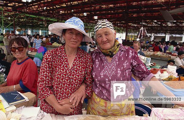 Frauen Händler  Osh Basar  Bishkek  Kirgisien  Zentralasien  Asien
