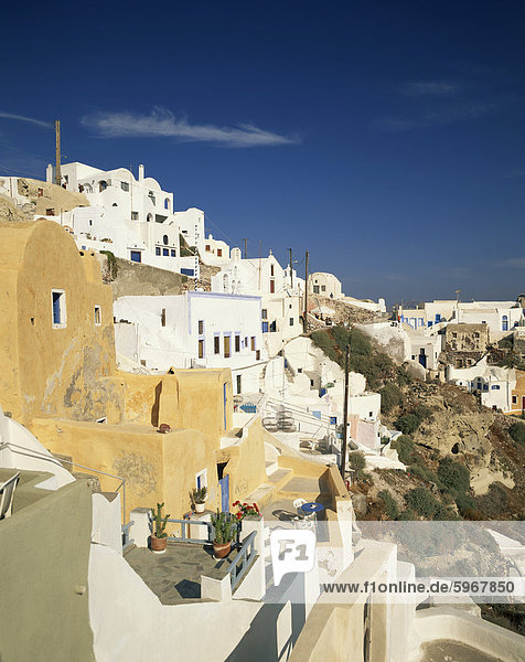 Europa Gebäude Balkon weiß Dorf Terrasse Kykladen Griechenland Griechische Inseln Oia Ia