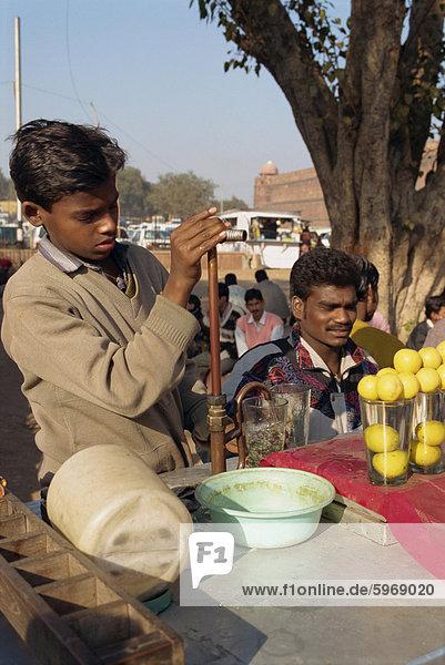 Getränke stehen  Delhi  Indien  Asien