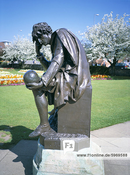 Statue von Hamlet  Shakespeare Memorial  Stratford upon Avon  Warwickshire  England  Großbritannien  Europa