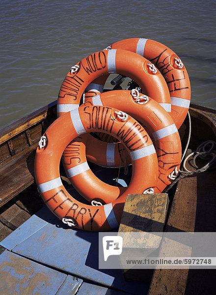 Southwold Fähre Rettungsgürtel  Sussex Harbour  Southwold  Suffolk  England  Vereinigtes Königreich  Europa