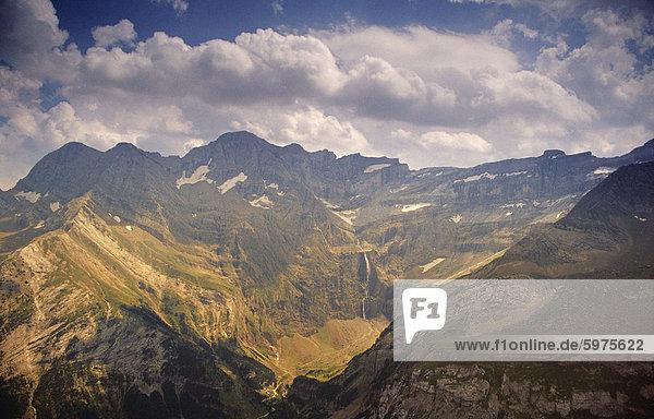 Cirque de Gavarnie vom Pic de Tantes  Pyrenäen  Haute-Pyrenäen  Midi-Pyrenees  Frankreich  Europa
