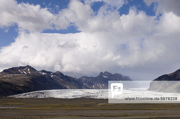 Vatnajokull glacier  Skaftafell National Park  South coast  Iceland  Polar Regions