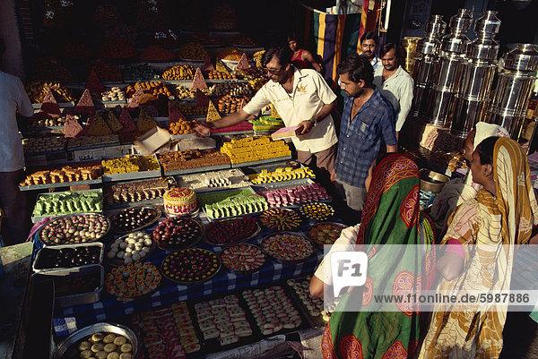 Konditorei  Ahmedabad  Gujarat  Indien  Asien