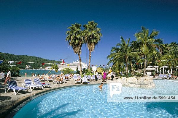 Westindische Inseln Mittelamerika Schwimmbad Jamaika Ocho Rios