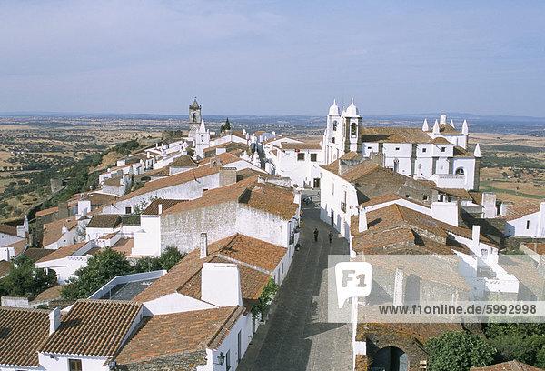 Hill village of Monsaraz near the Spanish border  Alentejo region  Portugal  Europe