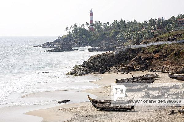 Fischerboote  Kovalam Beach  Trivandrum  Kerala  Indien  Asien