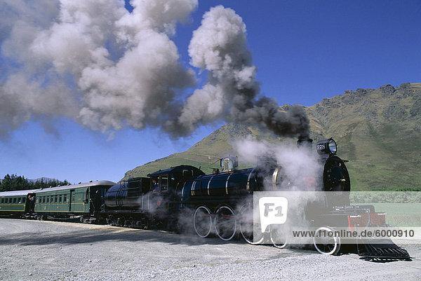 Der Kingston Flyer Dampfzug  Südinsel  Neuseeland  Pazifik