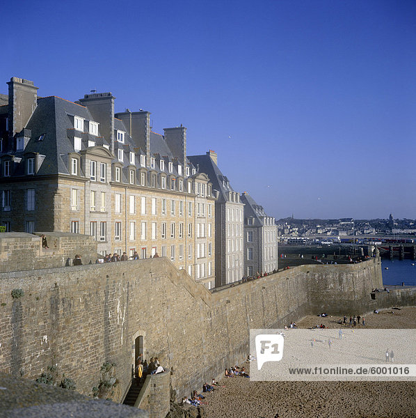 Intra-Muros  the old walled city  St. Malo  Ille-et-Vilaine  Brittany  France  Europe
