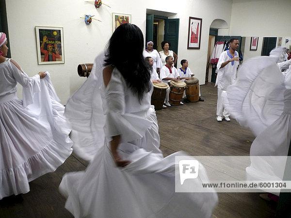 Escuela de Bomba y Plena Dona Brenes in der Altstadt  wo traditionelle Tänze erlernt werden können  San Juan  Puerto Rico  Karibik  Caribbean  Mittelamerika