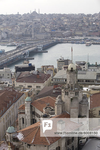 Ansicht der Stadt von Istanbul aus der Galata Turm  Istanbul  Türkei  Europa