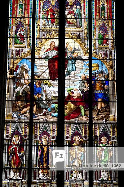 Glasfenster im Kölner Dom  Köln  Nord Rhein Westfalen  Deutschland  Europa Glasfenster im Kölner Dom, Köln, Nord Rhein Westfalen, Deutschland, Europa