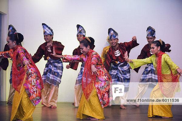 Kultur-Show im Tourismusbüro Malaysia  Kuala Lumpur  Malaysia  Südostasien  Asien