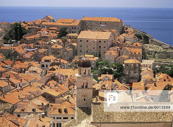 Luftbild von Terrakotta Dächer  Dubrovnik  Kroatien  Europa