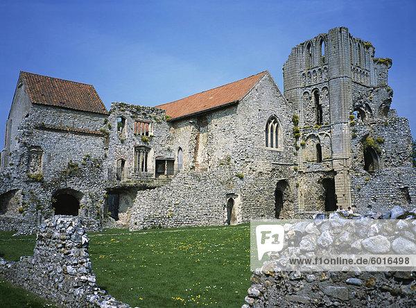 Prioren Kapelle und Turm vom Kloster  Schloss Acre Priory  Norfolk  England  Vereinigtes Königreich  Europa