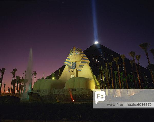 Luxor hotel at night  Las Vegas  Nevada  United States of America  North America
