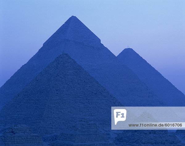 Pyramids at Giza  UNESCO World Heritage Site  Cairo  Egypt  North Africa  Africa