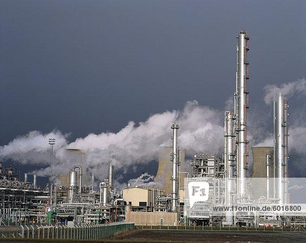 A petro-chemical plant at Runcorn  Cheshire  England  United Kingdom  Europe