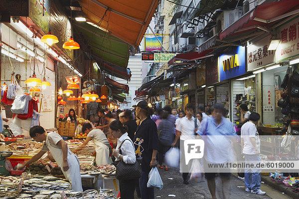 Massen an nassen Markt  Wan Chai  Hong Kong  China  Asien