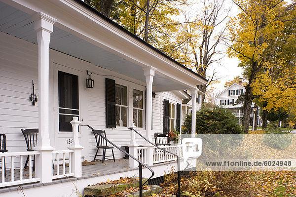 Amerika Wohnhaus Laub Nordamerika umgeben Neuengland Verbindung alt Vermont