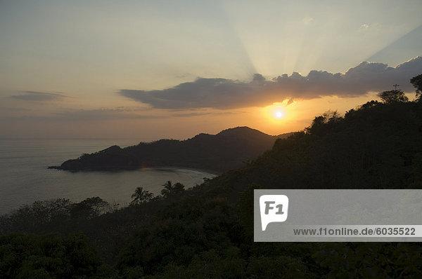 Sonnenuntergang über Punta Islita  Nicoya Inselunterschrank  Costa Rica  Mittelamerika