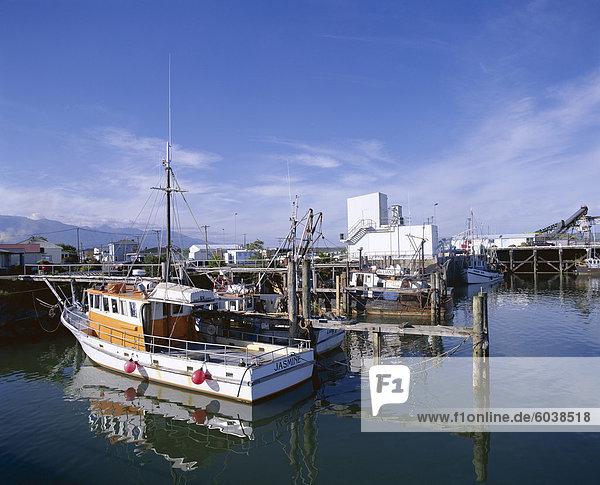 Fischerboote im Hafen  Westport  Westland  Südinsel  Neuseeland  Pazifik
