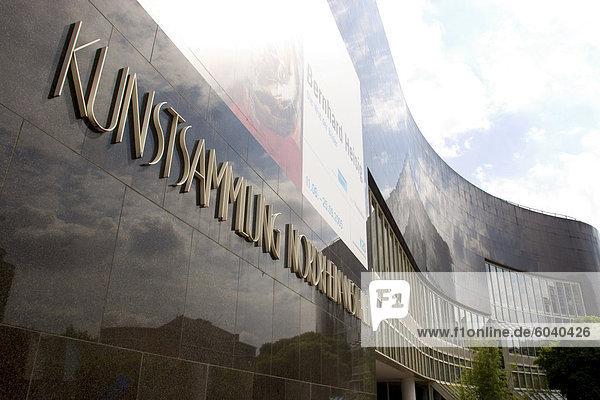 Die K20 Kunstsammlung am Grabbeplatz Kunstmuseum  Düsseldorf  Nord Rhein Westfalen  Deutschland  Europa Die K20 Kunstsammlung am Grabbeplatz Kunstmuseum, Düsseldorf, Nord Rhein Westfalen, Deutschland, Europa