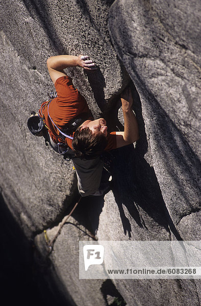 Felsbrocken  Mann  Squamish  British Columbia  Kanada  klettern