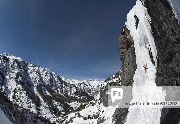 nahe  Berg  Mann  Eis  Hintergrund  Ansicht  klettern  Colorado  Ouray  steil