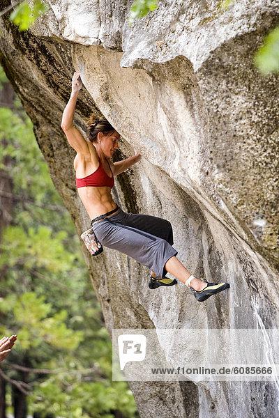 Felsbrocken  Klettern  Yosemite Nationalpark  Freeclimbing