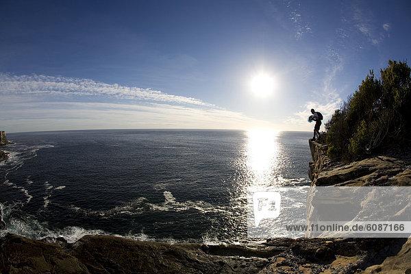 springen  Steilküste  Pullover  Ausdauer  Prüfung  Australien  New South Wales  Sydney