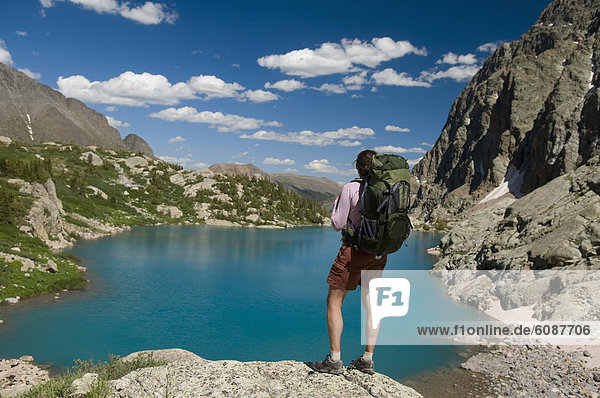 Frau  ruhen  See  wandern  türkis  Colorado