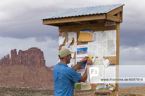 einsteigen  Nachricht  wandern  Einladung  Ausgangspunkt eines Wanderweges  Utah