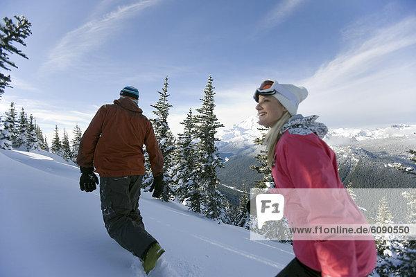 Frau  Mann  Hintergrund  wandern  Ski  unbewohnt  leer stehend  Mount Rainier Nationalpark  Fahrgestell  Schnee