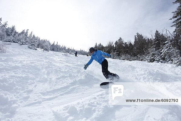 Snowboardfahrer  Frische  schnitzen  Hampshire  neu  Schnee