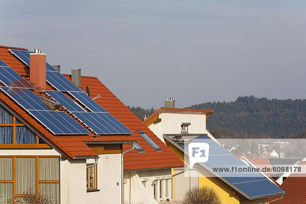 Deutschland  Baden Württemberg  Lorch  Wohnung mit Sonnenkollektoren