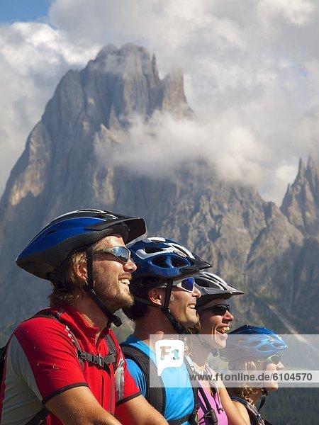 Felsbrocken  Berg  4  Fröhlichkeit  blicken  Steilküste  Ar