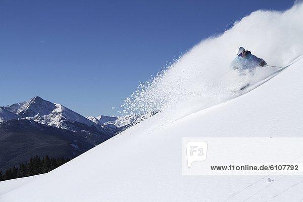 Skifahrer  Tag  Frische  drehen  Athlet  Gesichtspuder  Sonnenlicht  Colorado