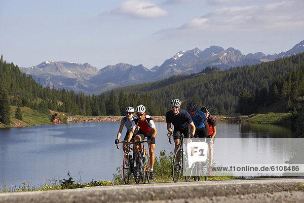 nahe  5  fahren  Fahrradfahrer  See  Nostalgie  Kopfbedeckung  Colorado  mitfahren  Vail