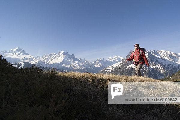 Frau  französisch  wandern  Alpen