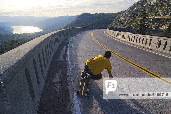 Mann  Fernverkehrsstraße  Kalifornien  Skateboarding