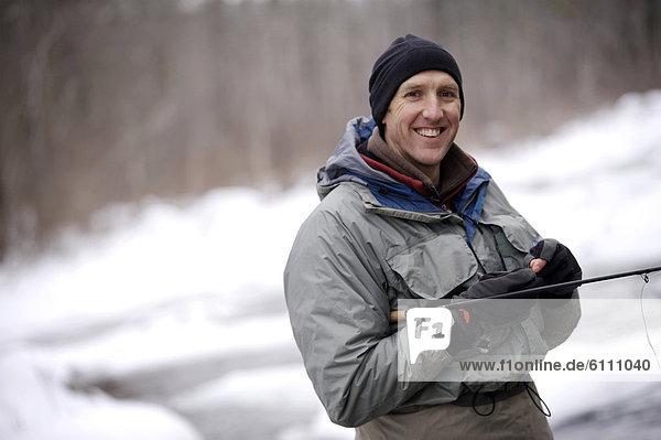 Winter  Mann  angeln
