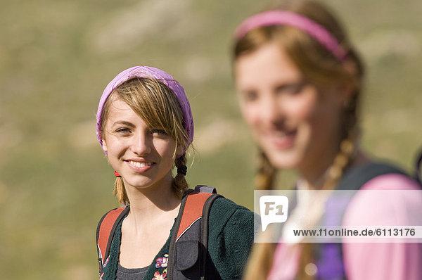 wandern  2  Mädchen