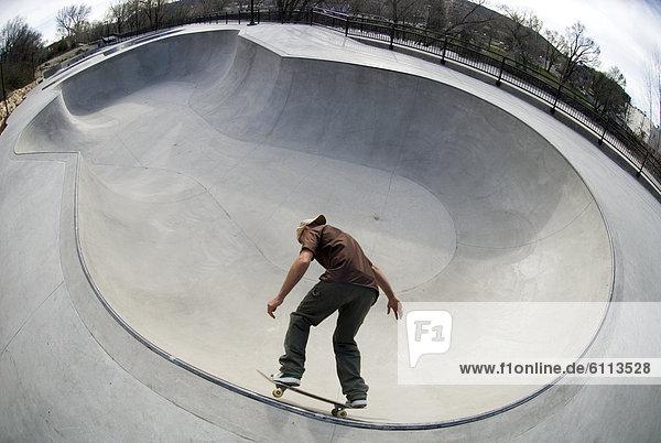 Mann  Skateboard