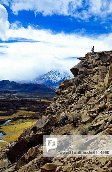 Berggipfel  Gipfel  Spitze  Spitzen  Tal  Lava  hoch  oben  Hintergrund  Ignoranz  Spitzkoppe Afrika  Wiese  bedecken  Schnee
