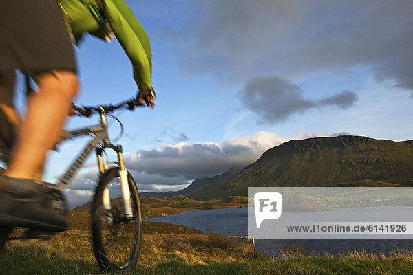 Verschwommene Sicht auf Mountainbiker