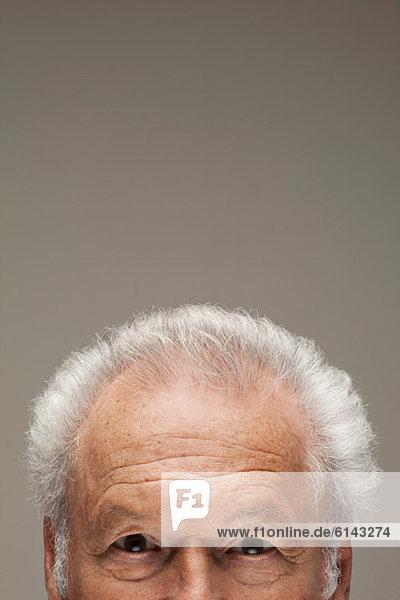 Älterer Mann  Portraitausschnitt